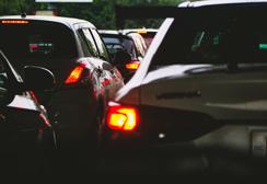 多车连环相撞导致多人伤亡,选择合适的管辖法院争取更大的赔偿利益